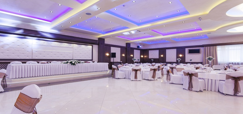 Use These 8 Decor Ideas To Make Your Event Hall Vibrant